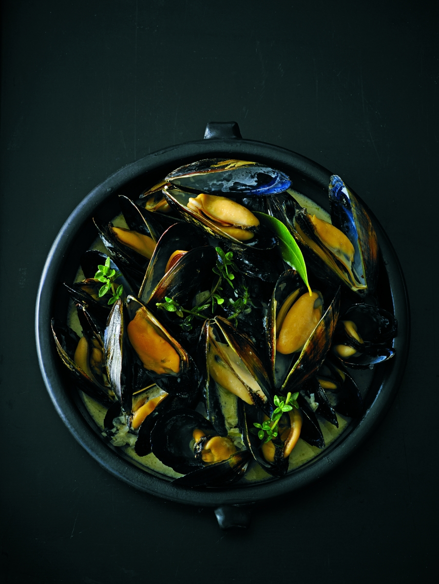 steamed-mussels-marinieres