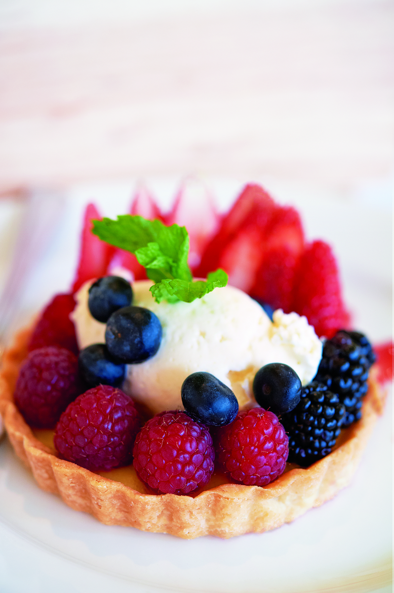 berry-lemon-tart