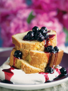 old-fashioned-brown-butter-pound-cake-with-blueberry-sauce-and-cream
