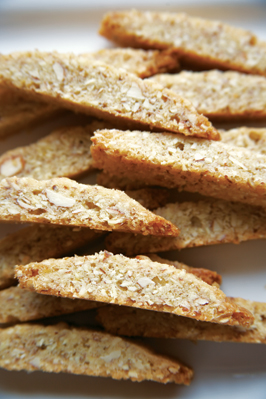 deer-valley-mini-almond-biscotti