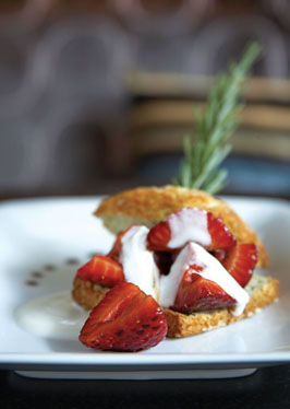 rosemary-shortcake-with-balsamic-strawberries